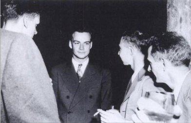 Feynman y Oppenheimer en Los Alamos | Fuente: Wikimedia Commons