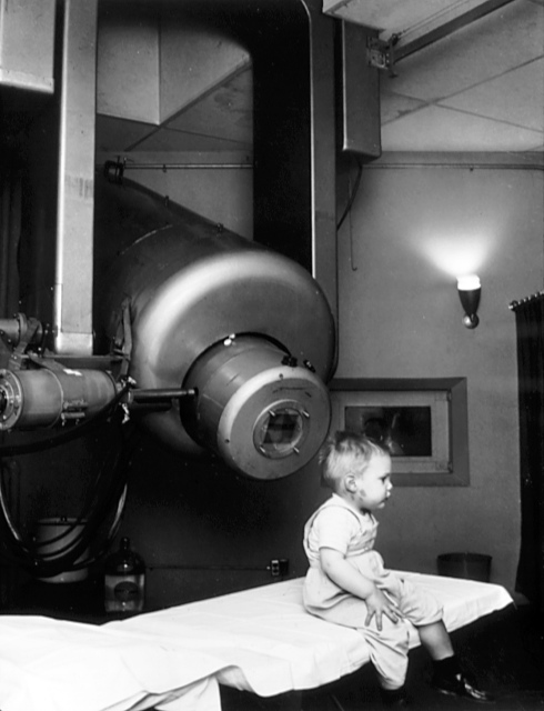 Antiguo equipo de radioterapia externa.